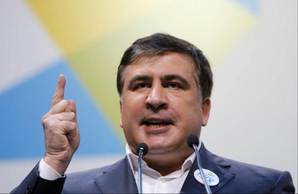 Саакашвили пригрозил свергнуть Порошенко с поста президента Украины