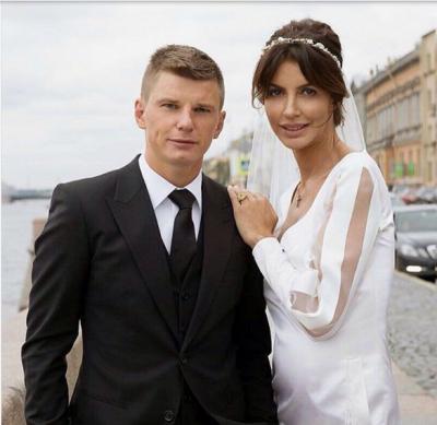 Жена Аршавина рассказала об измене мужа