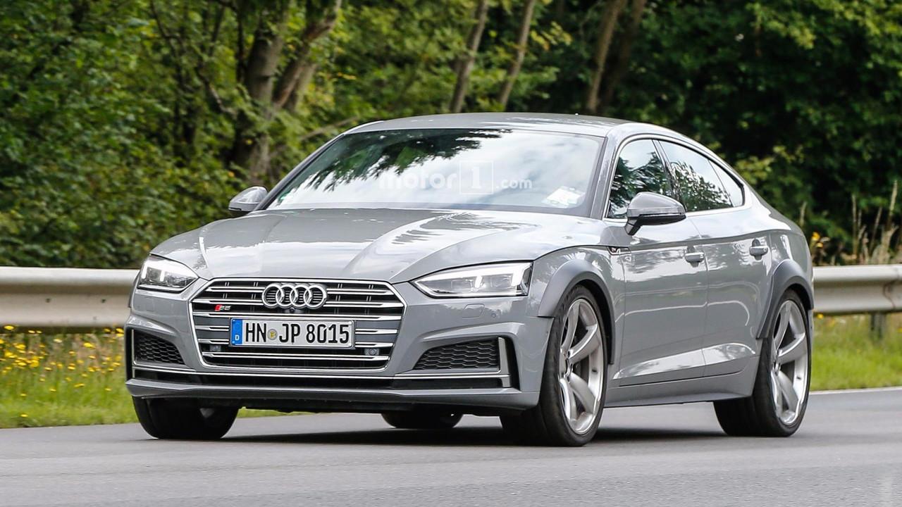 Автопапарацци поймали вобъектив AudiRS 5 Sportback 2019 года