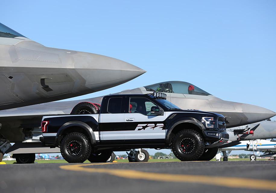 «Пикап-истребитель» Форд продали за300 000 долларов