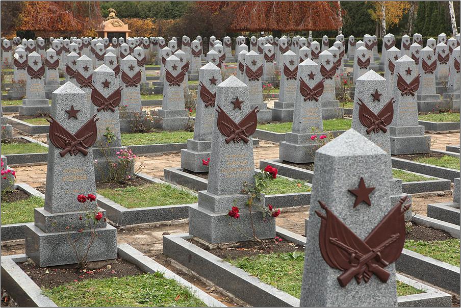Два кладбища советских солдат ремонтируют вПольше силами русской стороны