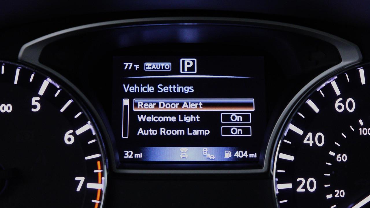 Компания Ниссан напомнила водителям обихвещах илюдях на обратном сиденье