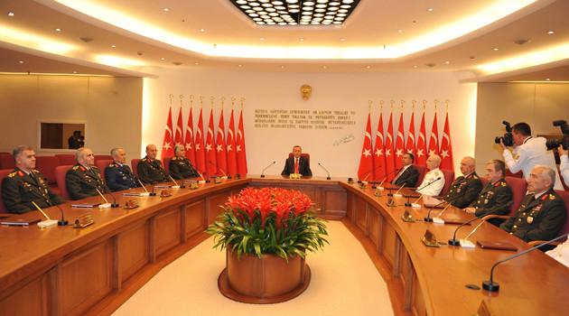СМИ узнали оботставке командиров Вооруженных сил Турции