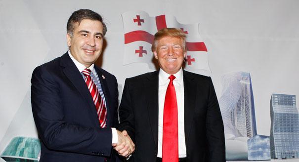 Саакашвили потроллил Порошенко фотоснимками сТрампом, Бушем иКлинтон
