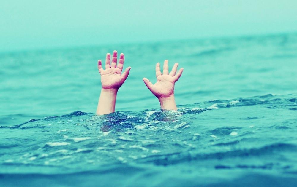 Граждане Омска напротяжении суток купались рядом трупом утонувшего мужчины