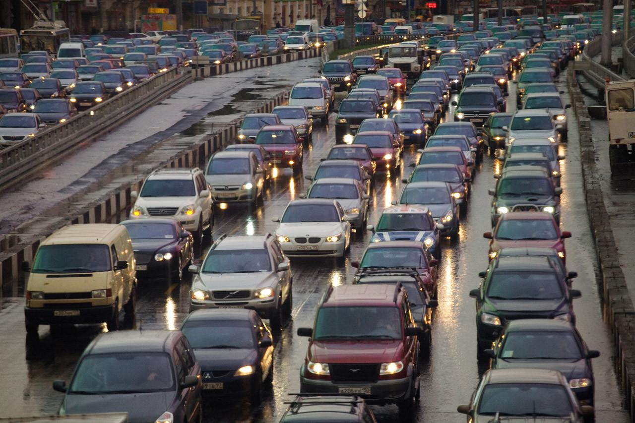 Минтранс может привязать налоговый сбор натранспорт кэко-машинам