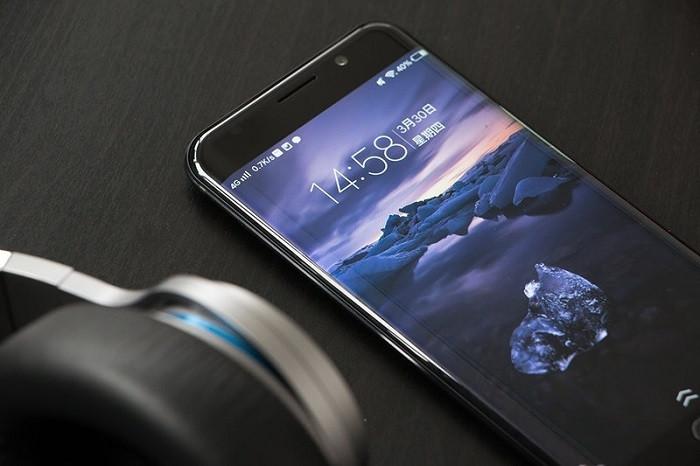 Слух: Vivo Xplay 7 оснастят тройной камерой на задней панели