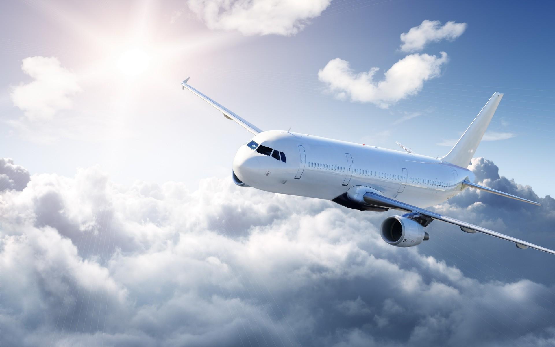 Десять человек пострадали вСША при попадании самолета втурбулентность