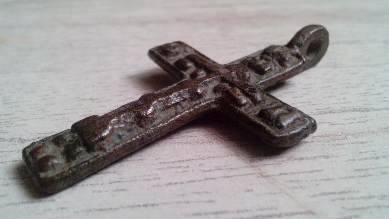 Под Полоцком отыскали  костяной крест воина времен Ивана Грозного