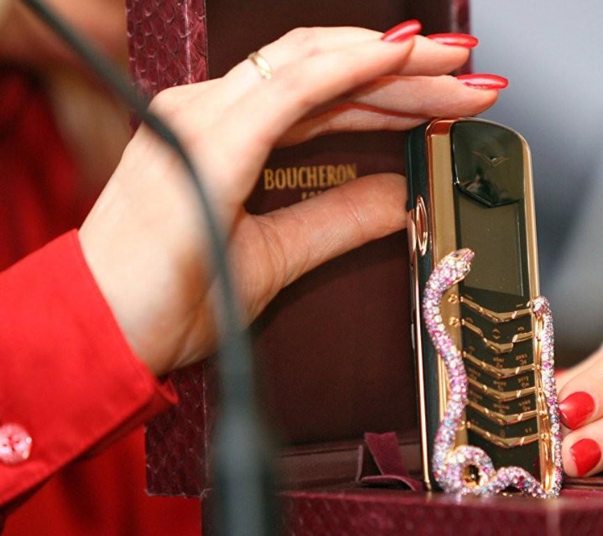 Vertu отдает телефоны забесценок— Грандиозная распродажа