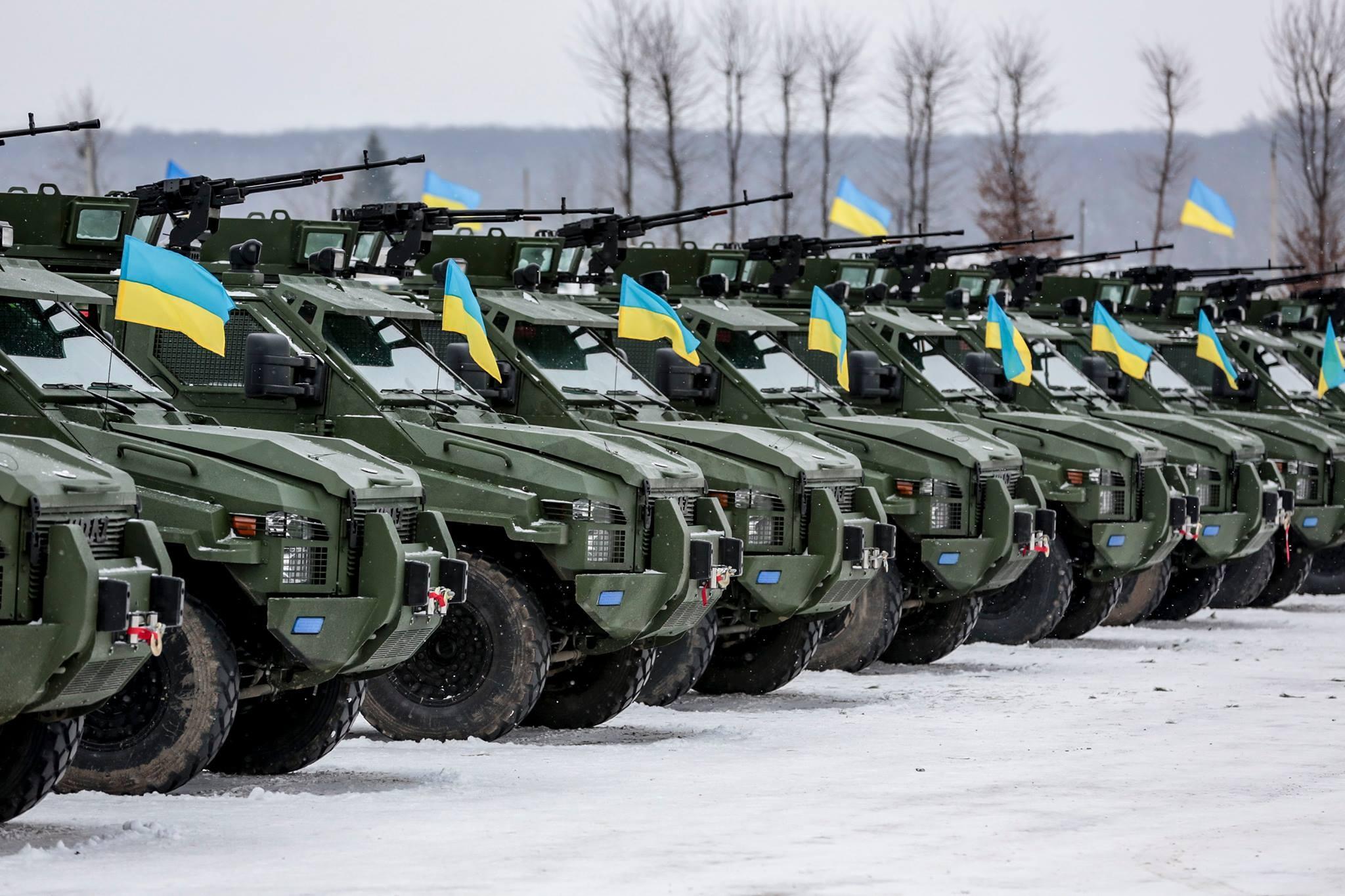 Порошенко поведал овоенной технике, переданной армии от«Укроборонпрома»