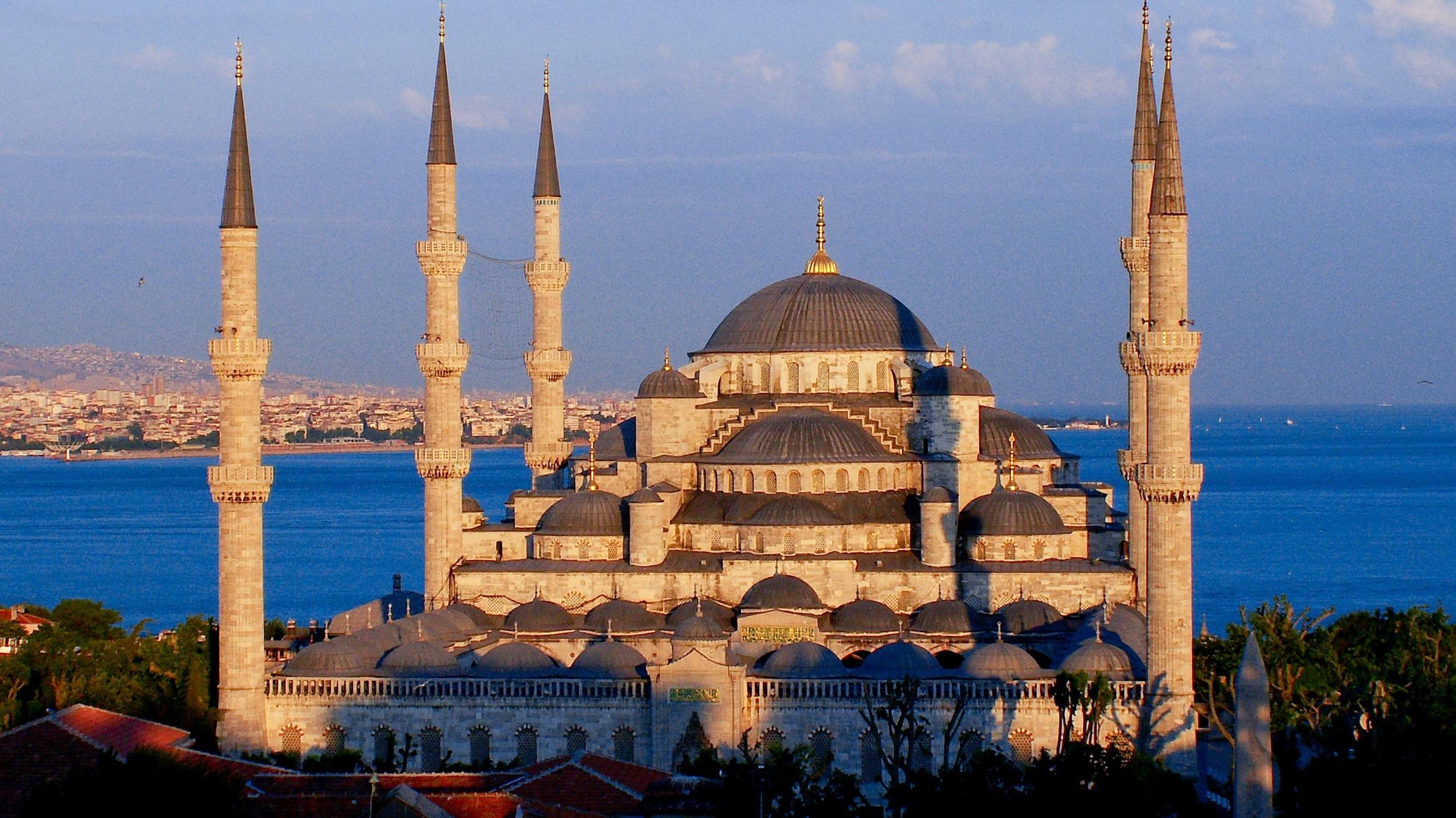 Опасающиеся ехать в Турцию туристы смогут вернуть деньги только через суд — АТОР