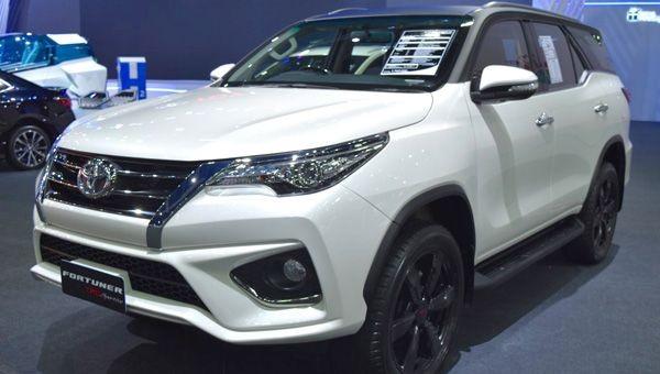Компания Toyota презентовала вИндонезии модель Fortuner TRD Sportivo