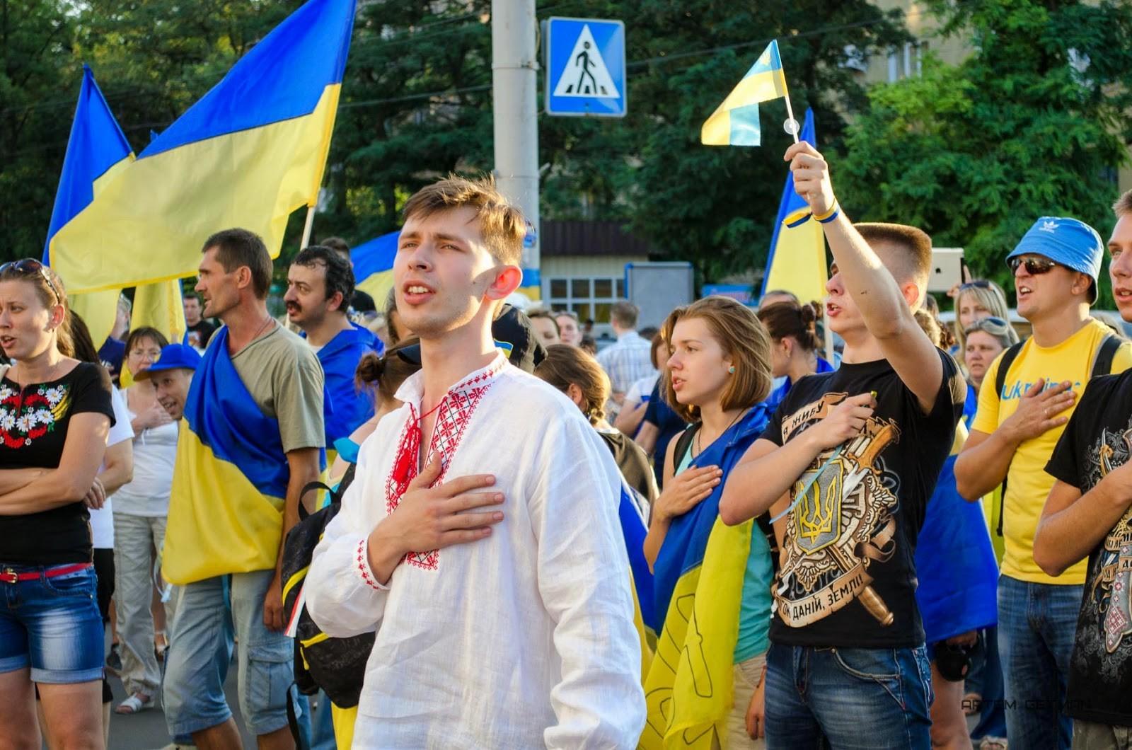 Студенты Славянска демонстративно невстали под гимн Украинского государства