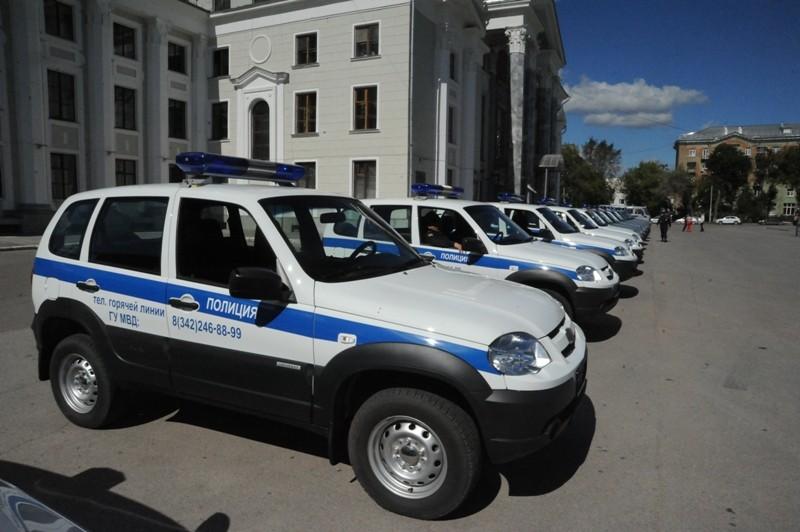 Полицейские Прикамья получили ключи отновых джипов