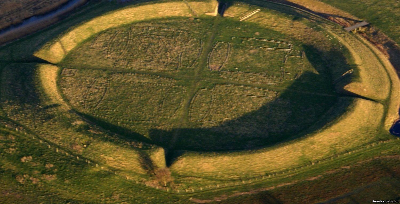 Археологи «раскопали» крепость викинговXI века вДании