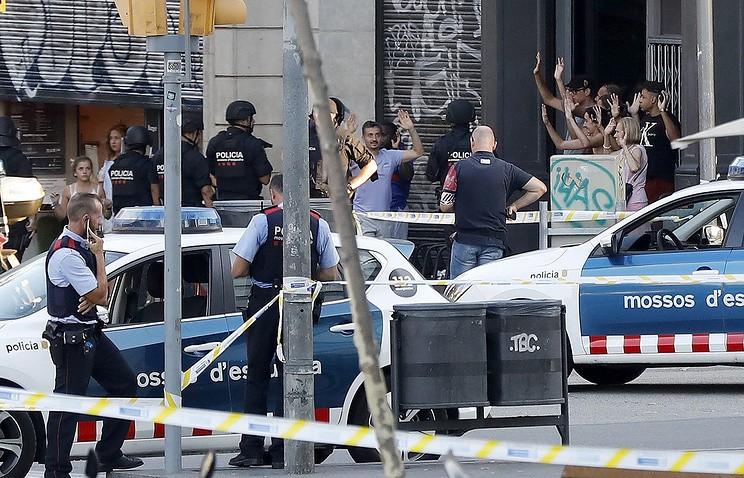 МВД Каталонии подтвердило связь между терактами вКамбрильсе иБарселоне