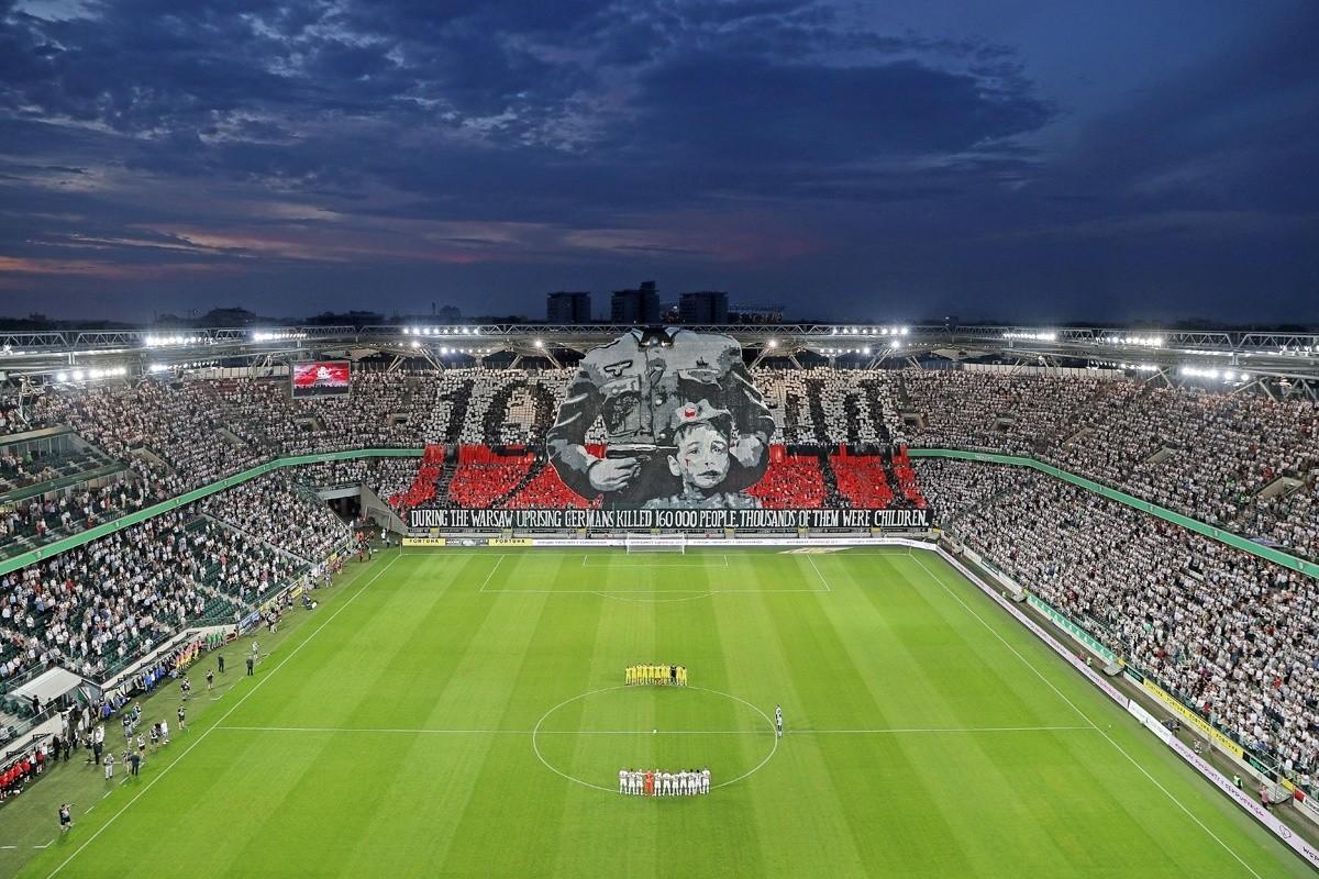 УЕФА оштрафовал «Легию» забаннер оВаршавском восстании