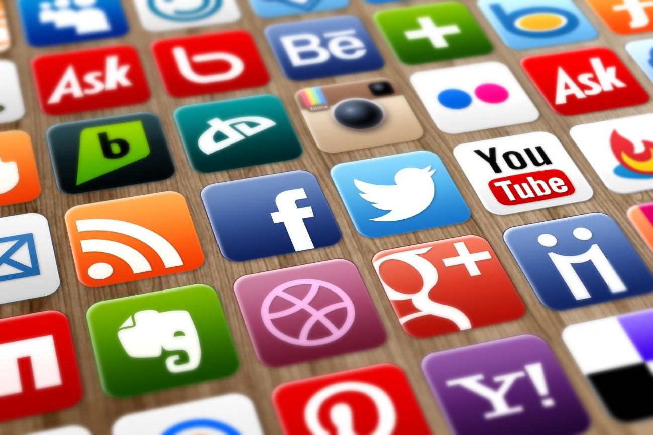 Пожилые люди  видят шпионов в социальных сетях  — Ученые
