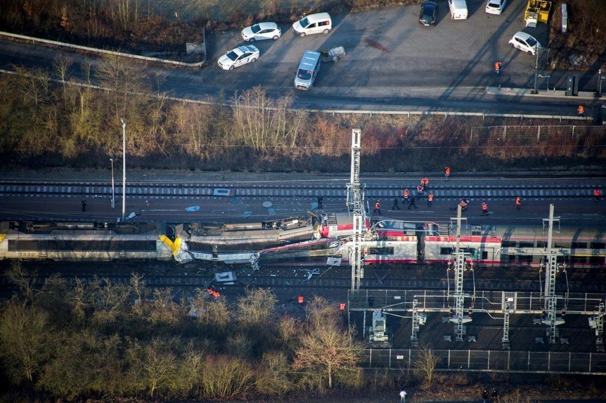 ВСША столкнулись два поезда, десятки людей пострадали