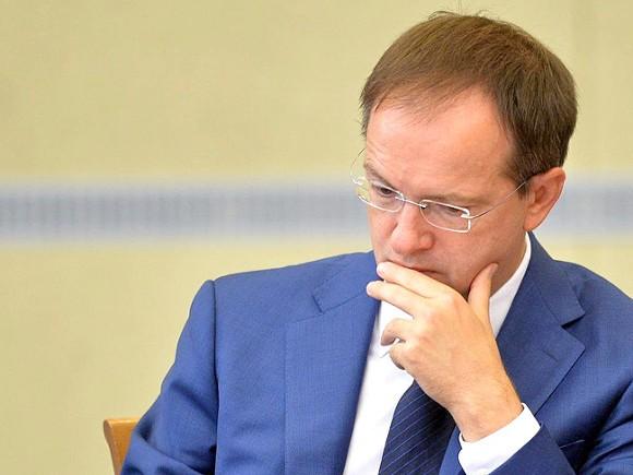 Мединский назвал грустной ситуацию сарестом Серебренникова