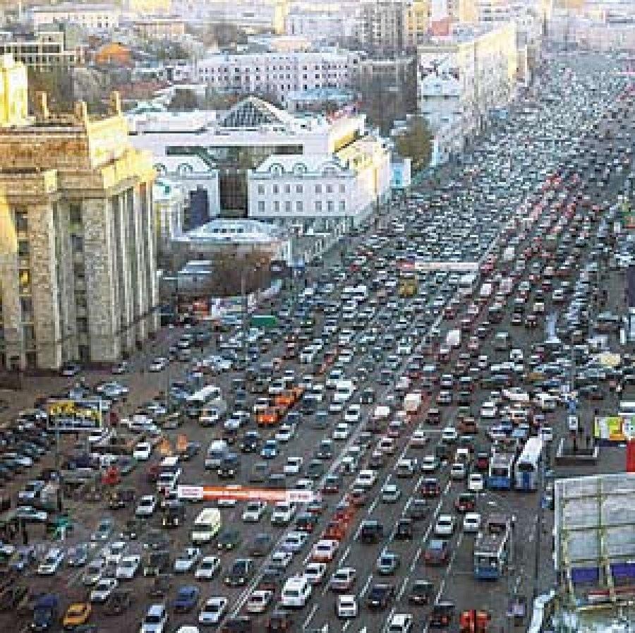 На трассах столицы 9-балльные пробки из-за ливня