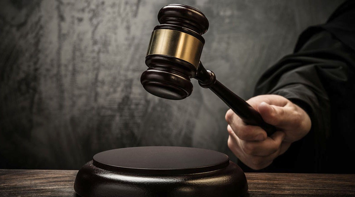 СКР вПетербурге подозревает прежнего секретаря райсуда ввоспрепятствовании осуществлению правосудия