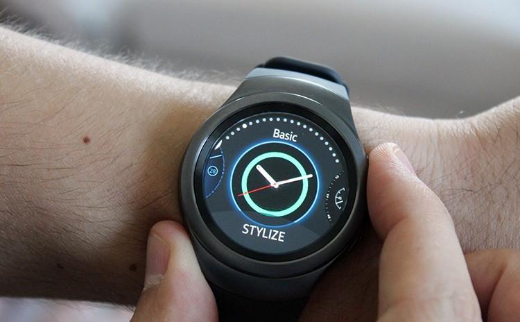Самсунг представила смарт-часы Gear Sport