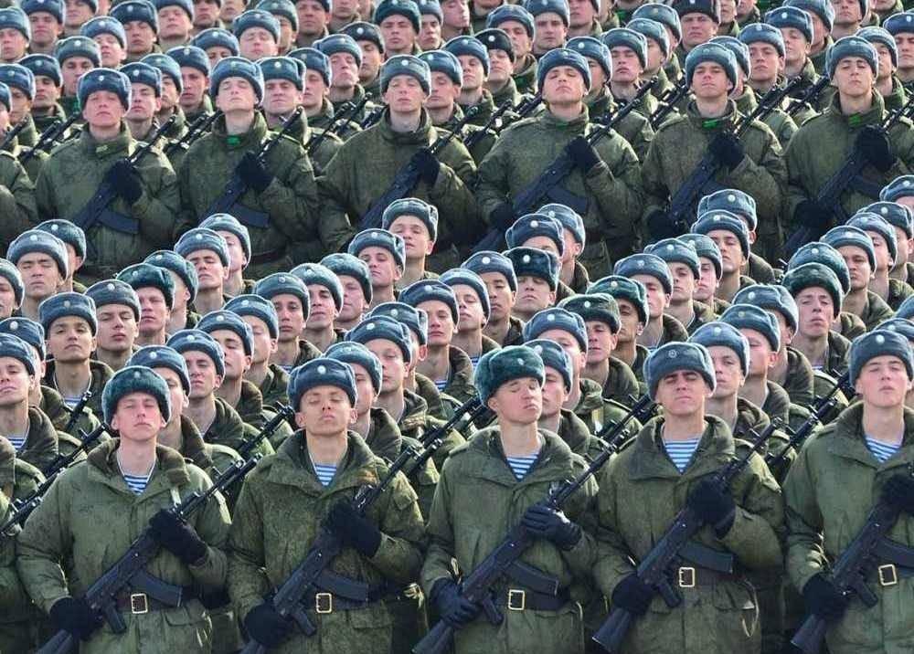 1504190602 soldaty Русская армия вошла втройку сильнейших вмире