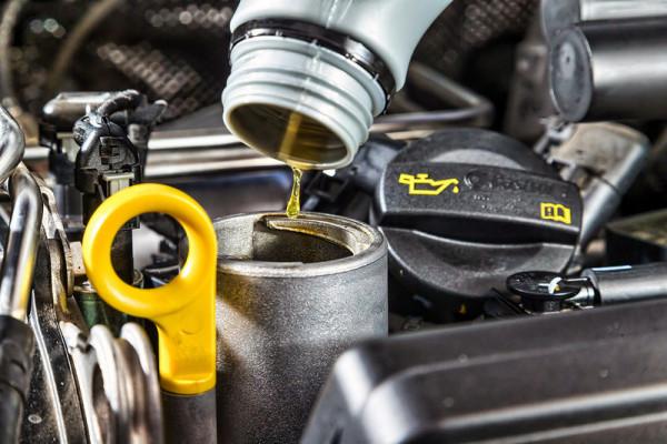 Эксперты рассказали, почему нельзя смешивать разные моторные масла