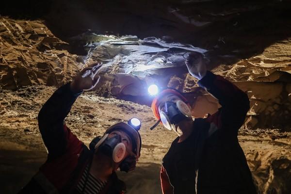 Из-за задымления в шахте в Туве эвакуировали почти 90 человек