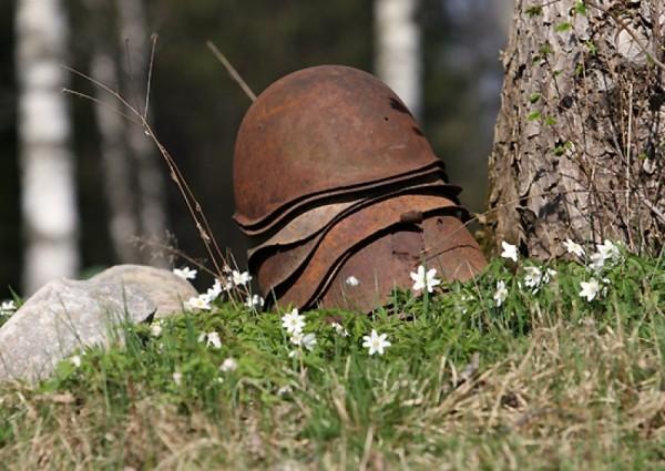 В Эстонии торжественно перезахоронили останки 202 советских воинов