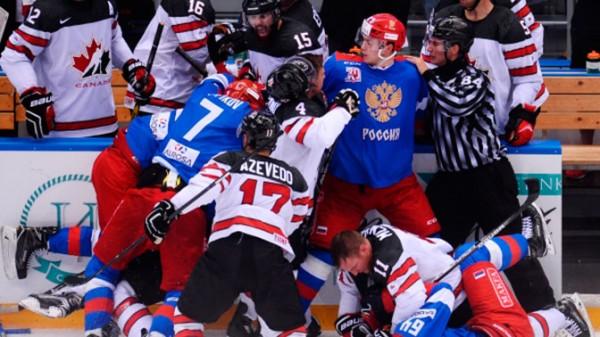В Сеть попало видео драки олимпийских сборных России и Канады