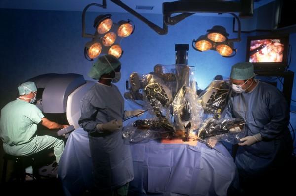 В Петербурге хирурги удалили женщине 42-килограмовую опухоль