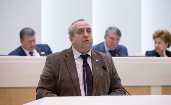 Сенатор Клинцевич призвал Запад приструнить Польшу