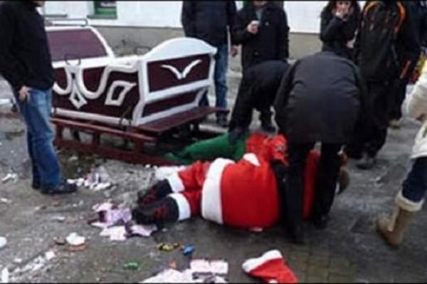 В Воронеже пьяный Дед Мороз терроризировал горожан