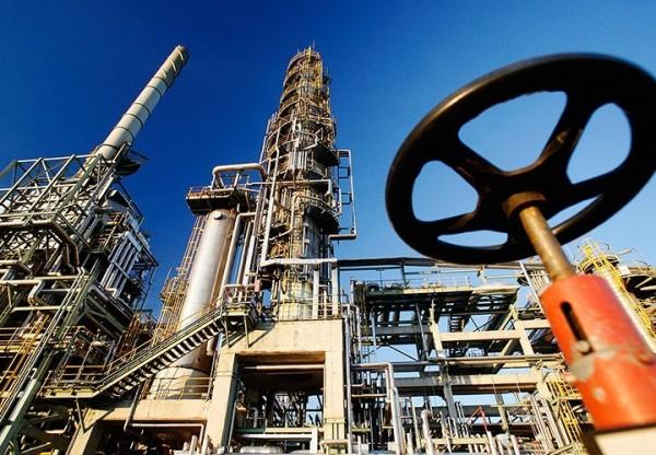 Мировые цены на нефть снижаются из-за негатива на биржах США