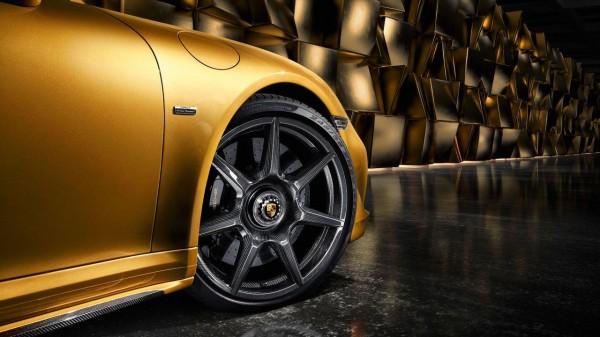 В Porsche сделали первые в мире диски из углеродного волокна
