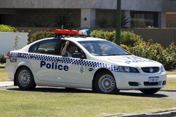 В Сиднее автомобиль врезался в толпу людей