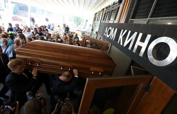 Гроб Веры Глаголевой стоил 300 тысяч рублей