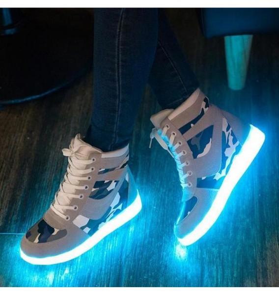 Xiaomi выпустила эксклюзивные кроссовки с подсветкой