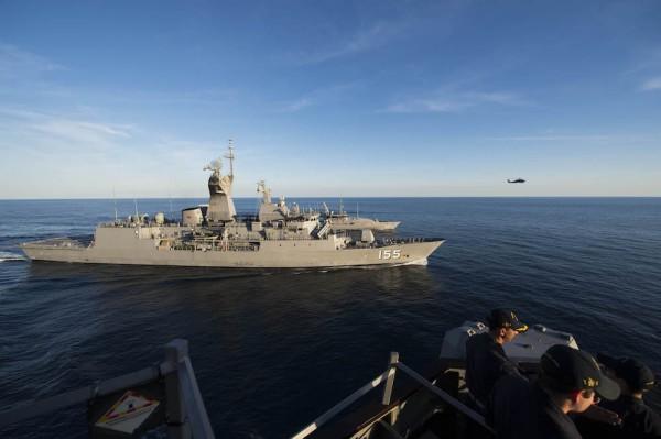 В отсеках эсминца «Джон Маккейн» нашли останки тел пропавших моряков