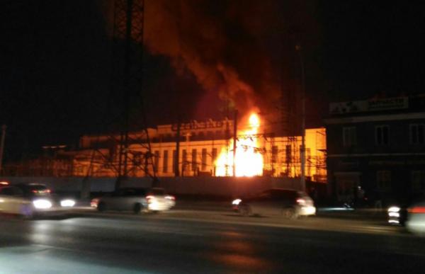 В Новосибирске на подстанции ТЭЦ-2 произошёл мощный взрыв