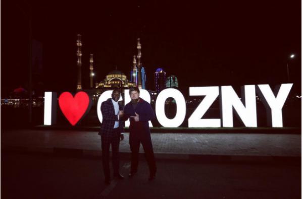 Рамзан Кадыров поздравил Флойда Мейвезера с победой