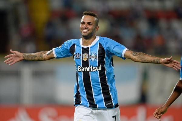 Нападающий бразильского «Гремио» вновь отказался от перехода в «Спартак»