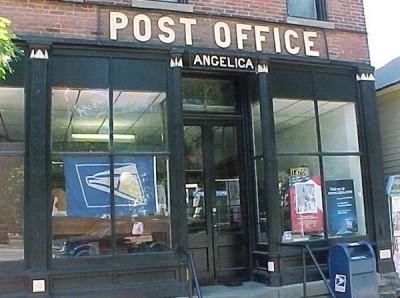 В Канзас-Сити отравились 12 работников почты при обработке посылки
