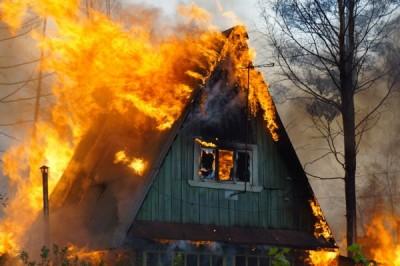 Взрыв дома под Оренбургом попал на видео