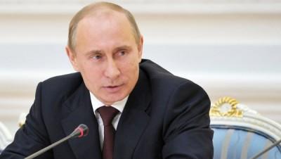 Путин передал главе Томской области папку с жалобами жителей региона