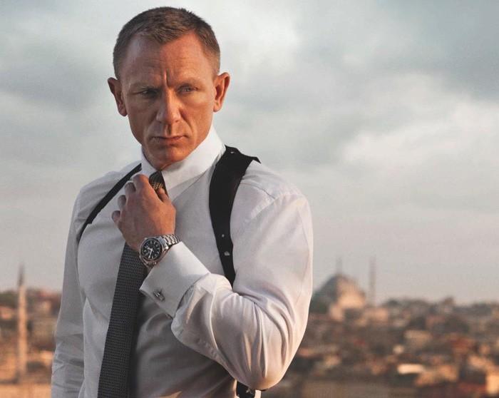 Apple иAmazon сражаются заправо прокатывать новый фильм оДжеймсе Бонде