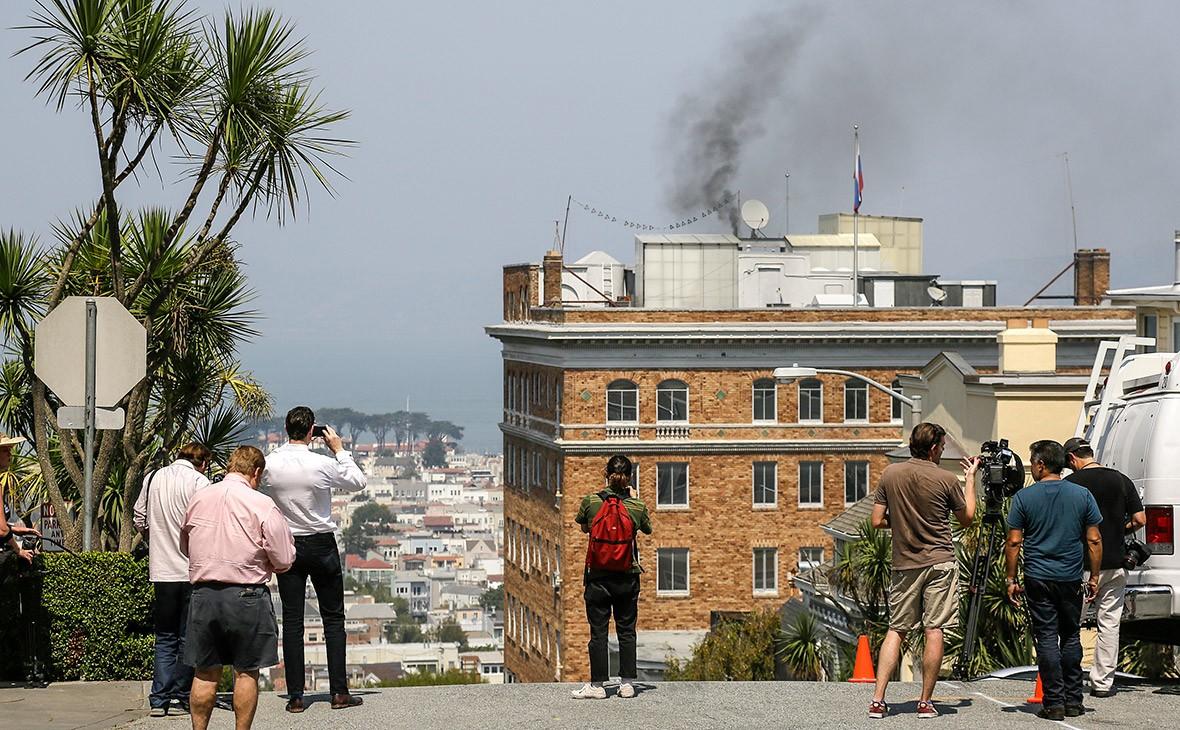 Власти Сан-Франциско обвинили консульствоРФ в несоблюдении правил сжигания мусора— CBS